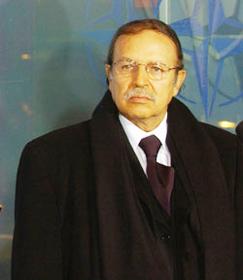Maladie de Bouteflika : le mystère demeure