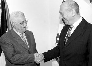 Proche-Orient : Première rencontre entre Olmert et Abbas en Cisjordanie