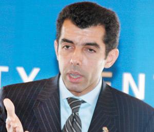 Tourisme : Adil Douiri renforce sa police