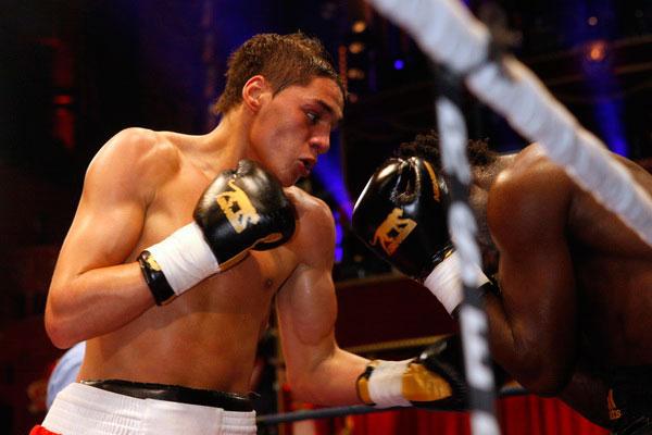 Boxe : Le  marocain Ahmed El Moussaoui remporte le championnat de France des poids welter (66kg)