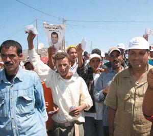 Reportage : Une journée avec un candidat à Tnine Oulad Bouziri