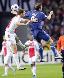 L'Ajax Amsterdam bat Auxerre et se relance