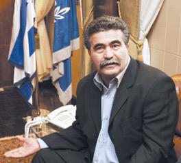 Peretz poursuivi à Rabat