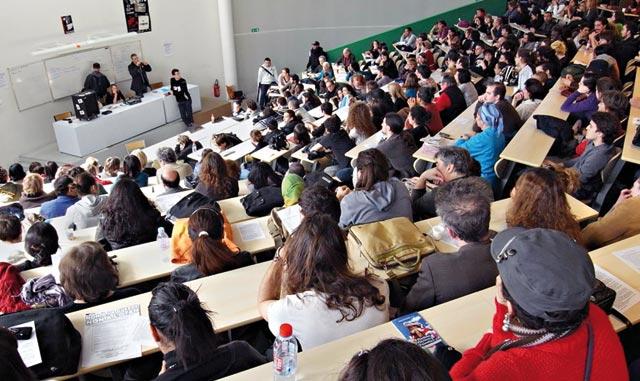 Des bourses pour les étudiants arabes qui veulent découvrir le Parlement allemand