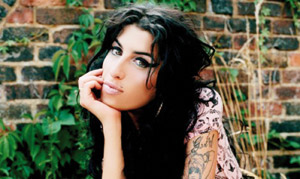 Amy Winehouse a sombré dans la drogue
