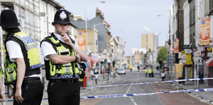 Royaume-Uni : Les émeutes continuent, un défi grandissant pour David Cameron