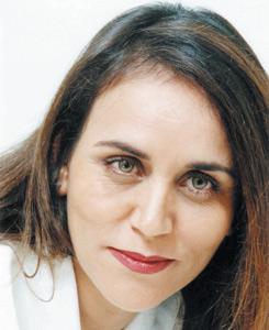 Asmae El Hadrami s'attaque aux scénarios