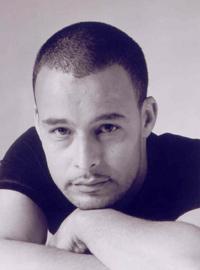 Potins : Le sous-titrage de Aziz Akhmiss