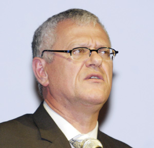 Télex : Driss Benhima élu président de l'AFRAA