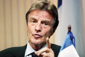 La France veut un observateur européen à l'audience
