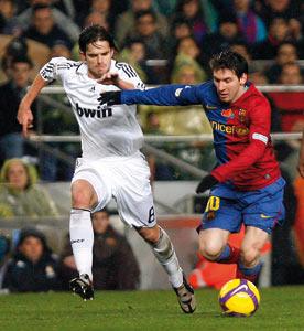 Le FC Barcelone repousse le Real Madrid à 12 points
