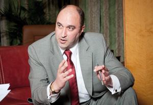 Mouatassim Belghazi : «La fusion est un événement majeur pour le paysage économique et financier de notre pays»