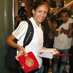 Hasna Benhassi revient la tête haute