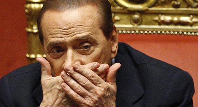 Italie : Démission de 5 ministres du parti de Berlusconi