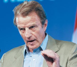 France : Bernard Kouchner en tournée au Proche-Orient