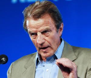 Iran : Kouchner appelle à se «préparer au pire»