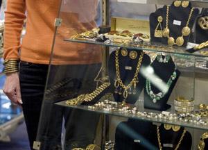 Les faux bijoux suscitent une vraie fascination chez les femmes séduction