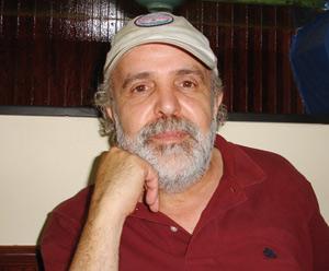 Omar Bouchenak : «Facebook nous permet de tenter de nouvelles amitiés»