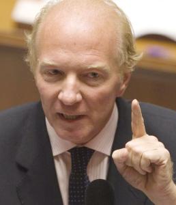 Brice Hortefeux conjugue l'Intérieur à l'Immigration