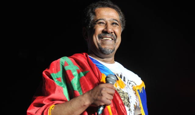 Acheté par l'Algérie, Cheb Khaled se produit à Tindouf