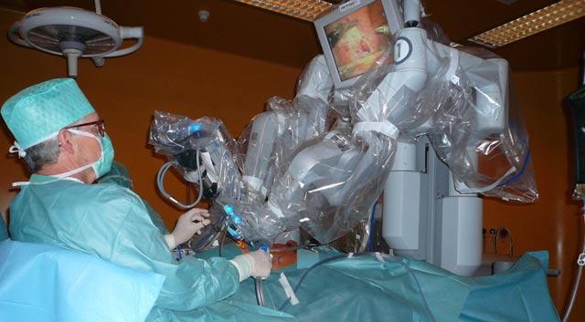 Deux transplantations rénales avec prélèvements par voie laparoscopique, les et 2 et 3 novembre à Rabat
