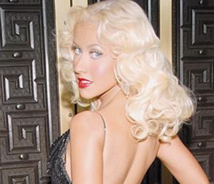 Christina Aguilera chante avec son fils pour la démocratie