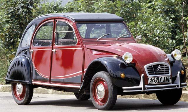 Il était une fois… Citroën 2 chevaux : La minimaliste «deudeuche»