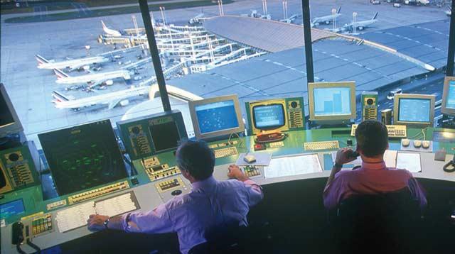 Grogne des  contrôleurs aériens