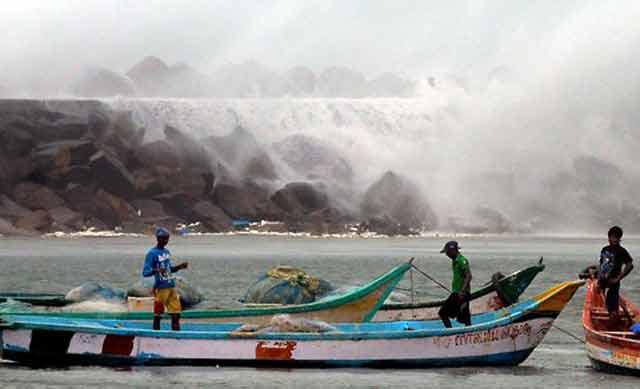 Le cyclone Nilam fait 22 de morts et près de 60.000 déplacés au sud de l'Inde