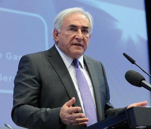 Fonds monétaire international (FMI) : Dominique Strauss-Kahn dénonce les bonus dans les banques