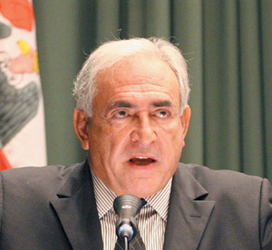Dominique Strauss-Kahn élu à la tête du FMI