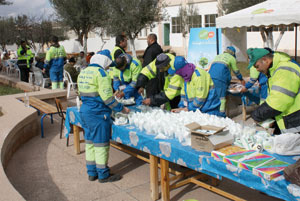Oujda : Les éboueurs fêtent le Mawlid chez les personnes âgées