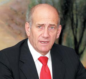 Olmert retient son souffle avant un rapport sur la guerre du Liban