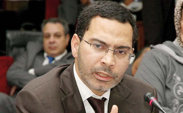 Mustapha El Khalfi examine avec le bureau de la FMM les moyens de renforcer l'approche participative dans le secteur médiatique