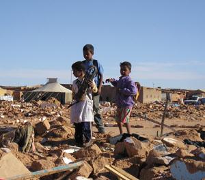 Une ONG américaine dénonce la politique de militarisation des civils séquestrés à Tindouf