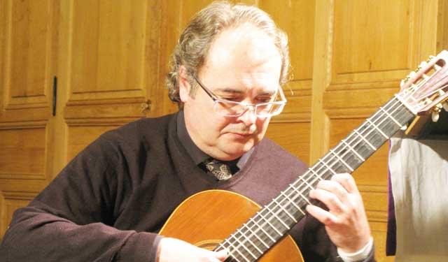 Du plaisir gratuit avec le guitariste Eric Marchélie : Sur invitation de l École internationale de musique et de danse