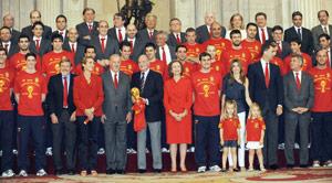 Espagne : hommage triomphal pour les champions du monde