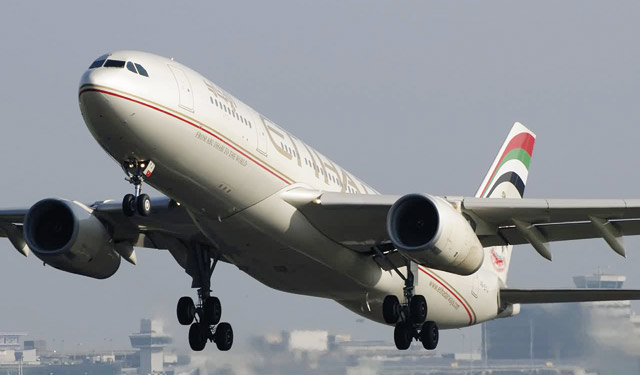 Etihad Airways continue de carburer