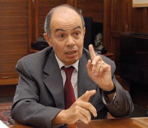 L'ex-ministre des Finances, Fathallah Oualalou, part à la conquête de l'USFP