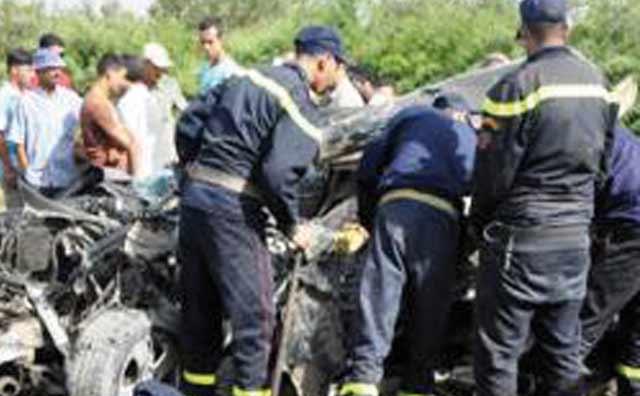 50 blessés  dans le renversement d un autocar  près de Fès