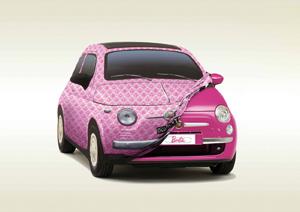 Fiat 500 Barbie : Elle voit la vie en rose