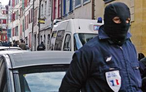 Arrestation à Paris d'un terroriste d'Al Qaïda recherché par le Maroc