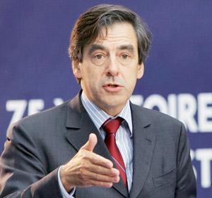 Le gouvernement Fillon dégage son premier parfum de démission