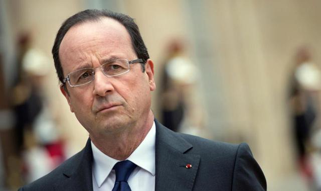 Médias attaqués : M. Hollande demande la mobilisation de tous les moyens pour arrêter les auteurs.