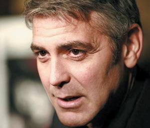 Clooney et son amie blessés dans un accident de moto