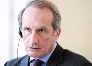 France : Gérard Longuet, l'invisible ministre de la Défense