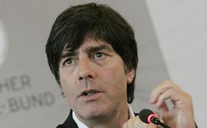 Allemagne : law décidera entre Ballack et Lahm qui sera le capitaine