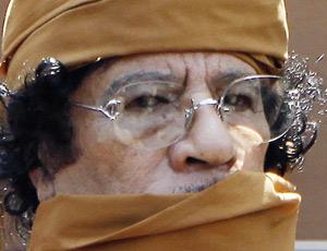 Libye : Violente contre-offensive des forces pro-Kadhafi contre l'insurrection