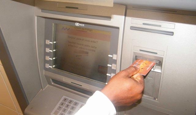Les cartes bancaires gagnent du terrain