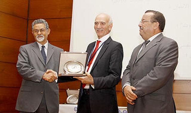 Hassan Idbelkacem reçoit le prix honorifique 2012 de la culture amazighe